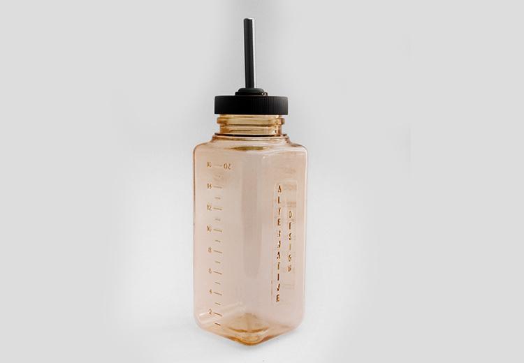 Bebedero de polisulfonato de 500 ml.